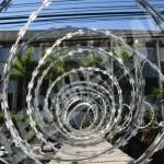 Cerca de segurança Concertina: aplicações e instalação